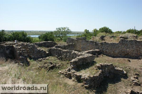 Танаис. Руины древних зданий