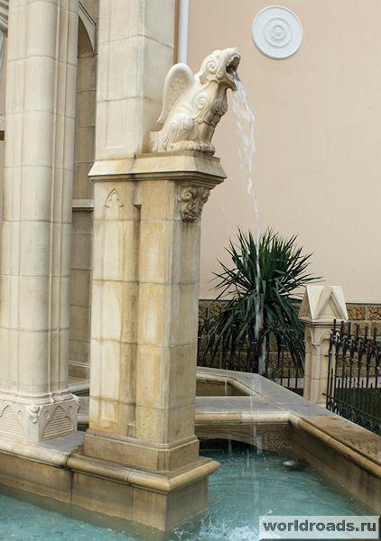 Горгулья готического фонтана