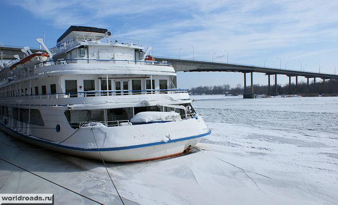 Корабль во льду