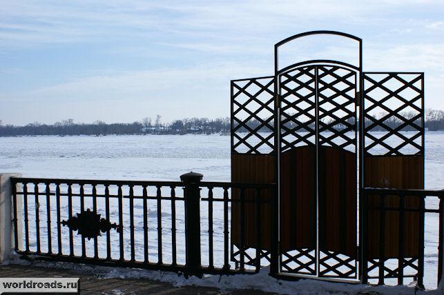 Ворота на реку