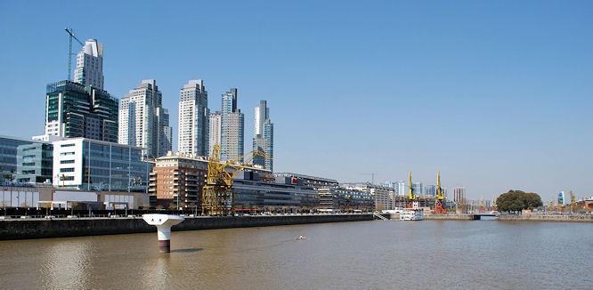Порт в Буэнос-Айресе