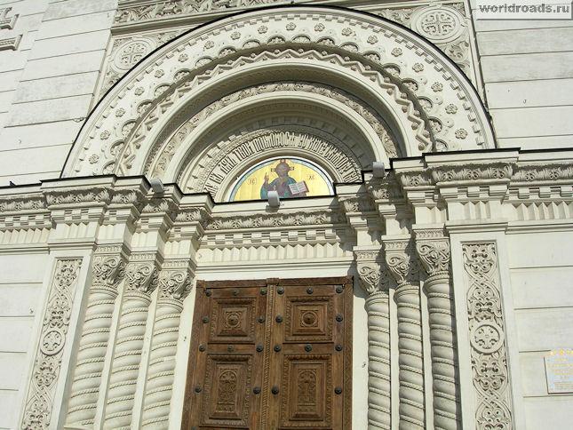 Двери Вознесенского собора