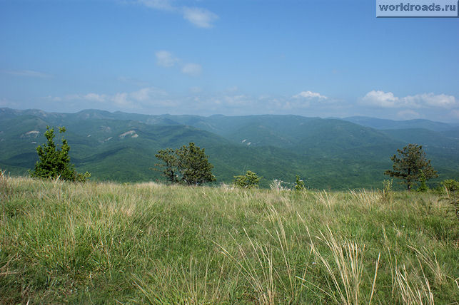 Вид на север с горы Нексис