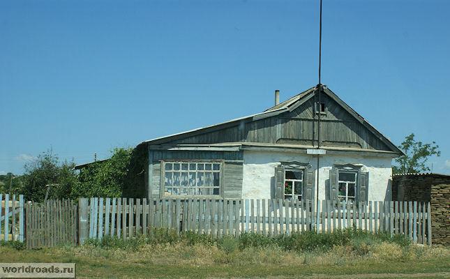 Дом в Краснодонецкой