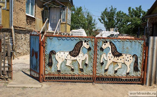 Ворота с лошадками