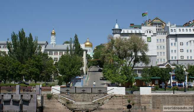 Вид на Соборный переулок