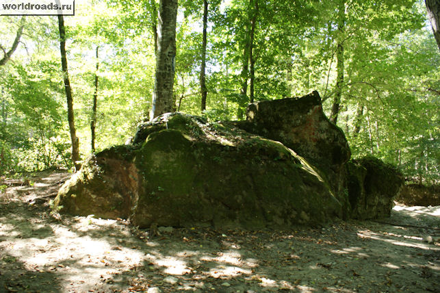 Камень джигита