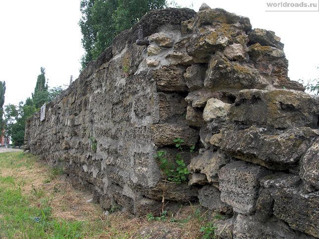 Генуэзская стена