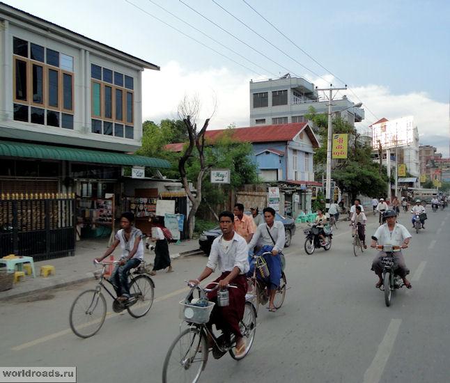 На улицах Мандалая
