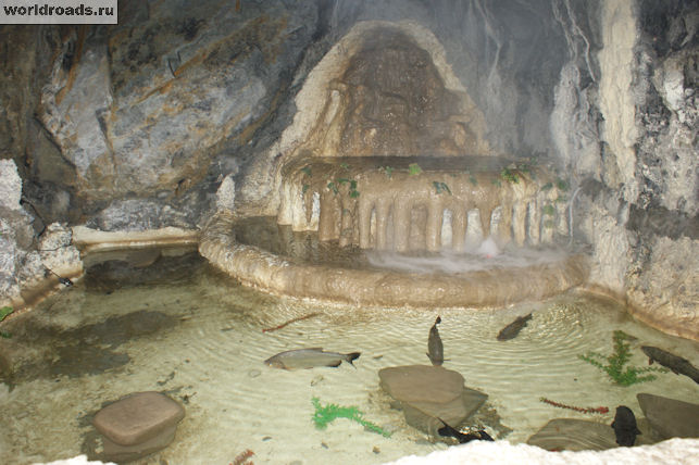 Грот с подземным озером