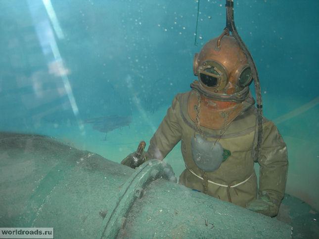 Водолаз с подводной сваркой