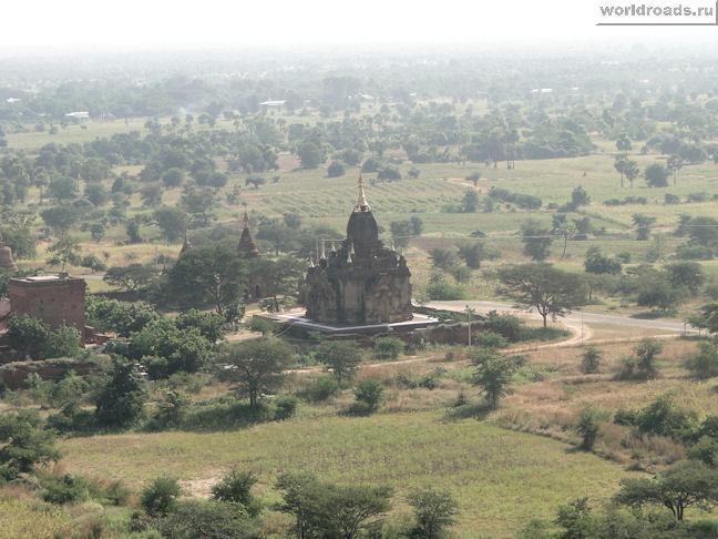Пагода в дымке