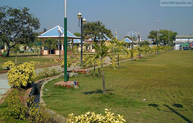 Парк храма Махамуни