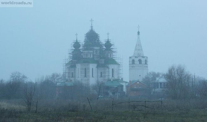 Воскресенский собор в тумане