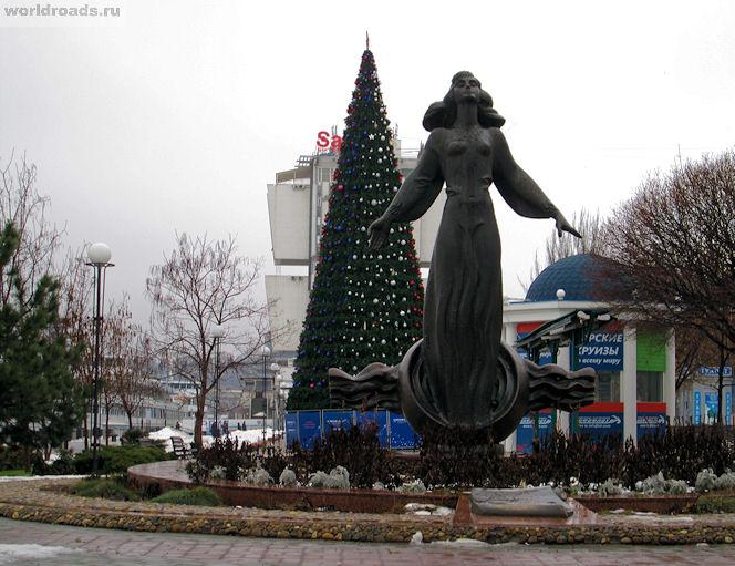 Памятник ростовчанке на набережной